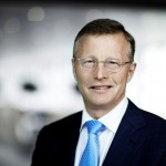 Oil Price Risks Force Maersk to Plan Deeper Cost Cuts