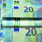 Euro surges, yen dives as French election fears abate