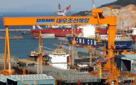 Ships are under construction at the Daewoo Shipbuilding & Marine Engineering Co. (DSME) shipyard in Geoje, South Korea, on Wednesday, April 22, 2009. Daewoo Shipbuilding & Marine Engineering Co. is the world's third-largest shipyard. Photographer: Seokyong Lee/Bloomberg News
