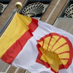 Shell Profit Plunges at Least 42% as Oil's Slump Deepens