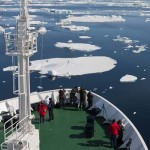 Arctic Ocean thaw helps Russian shipping as old ice blows west