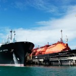 Golar LNG shrinks loss in Q4