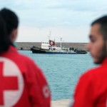 Rescue operation for 700 refugees south of Crete underway; 3 dead