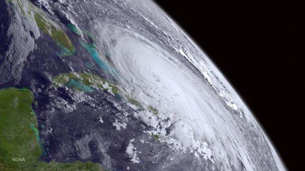hurricane-satellite