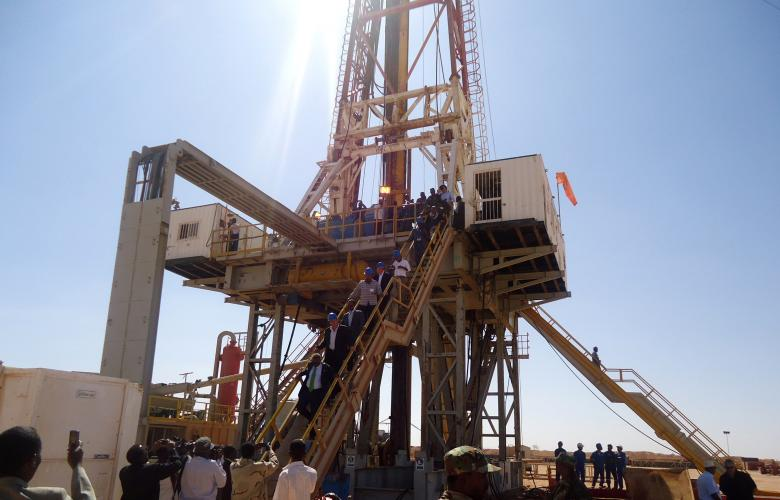 Engineers and visitors explore an exploratory well near Dharoor town, from the port of Bosasso on the Gulf of Aden in Puntland, Somalia, January 17, 2012. REUTERS/Abdiqani Hassan/File Photo