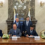 Sovcomflot, Rosneft in Deal for Five LNG-Fueled Tankers