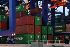 containers_piraeus_