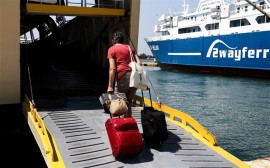 ferry_greece