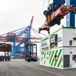 Hamburg offers boxships LNG shore side power