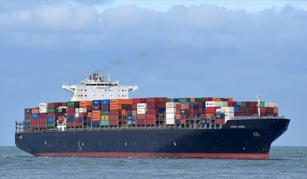 Navios Containers