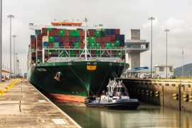 Triton_Containership_Panama Canal