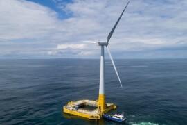 photo de la premiere eolienne en mer au large du Croisic en Loire-Atlantique, Floatgen. eolienne offshore.