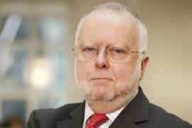 ICS-Secretary-General-Peter-Hinchliffe