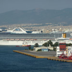 Greece: Government eyes port worker transfers in bid to stop strike